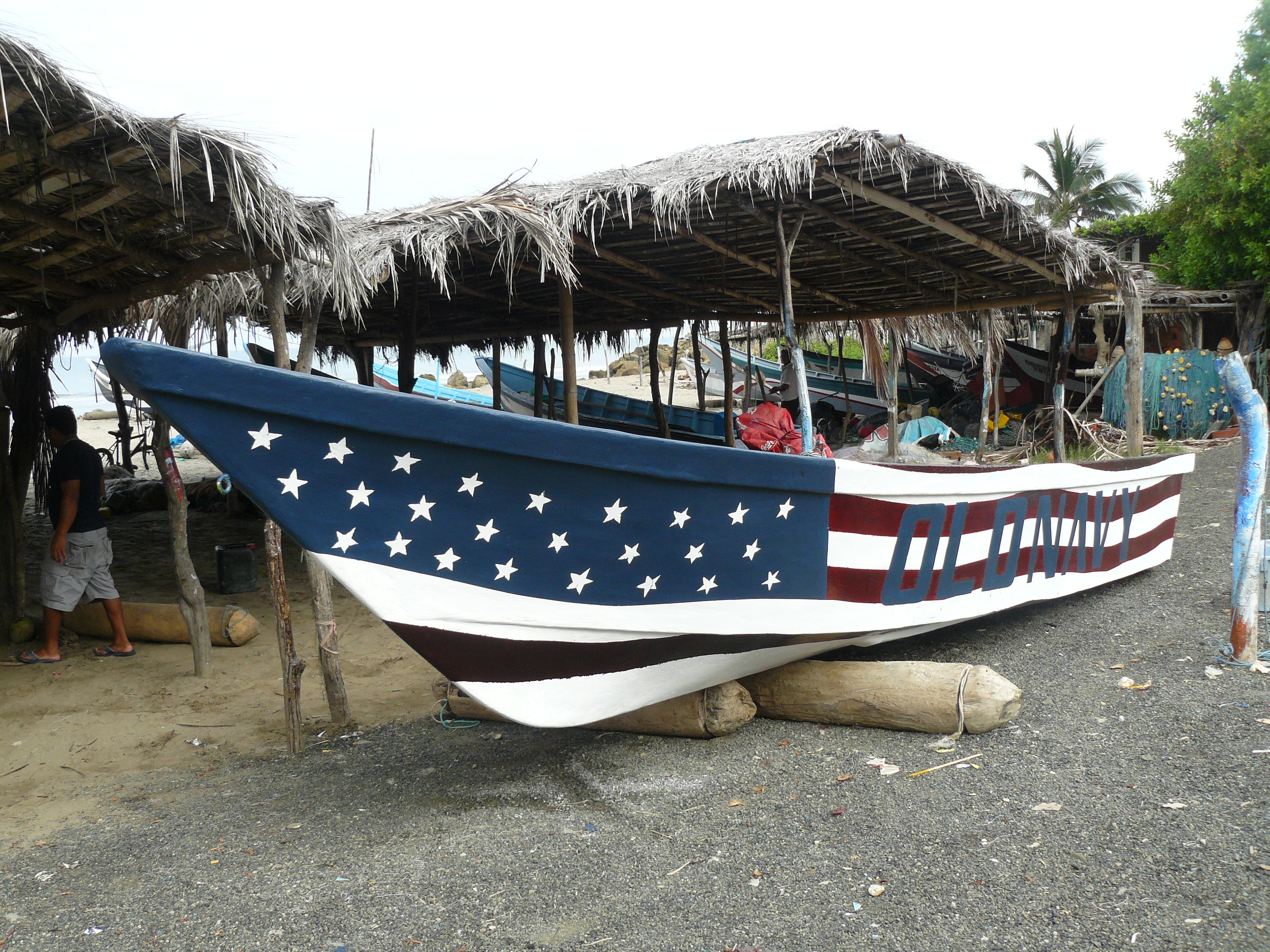 Boat building ecuadorian style living it up in ecuador for Fishing boat jobs