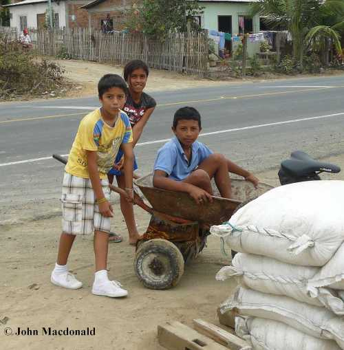 KIds with wheel barrow